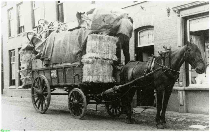 0210700-001 Coll. Warnar: Het vervoeren van materiaal van De Ellefant-Stroofabriek door het transsportbedrijf van Janus van Eijk.