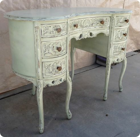 How to start furniture upcycling: Writing Desks, Paintings Furniture, Dresses Tables, Color, Shabby Chic, Refurbished Furniture, Upcycled Furniture, Diy Gifts, Antique