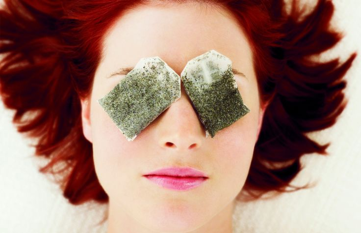 Tea bags Tea bags contain anti-inflammatory caffeine and tannins that can bring relief to puffy under-eye areas. Dip your tea bag in boiling water for five minutes, then cool them in the refrigerator before dabbing them softly on puffy areas. Your tired eyes will be instantly refreshed.