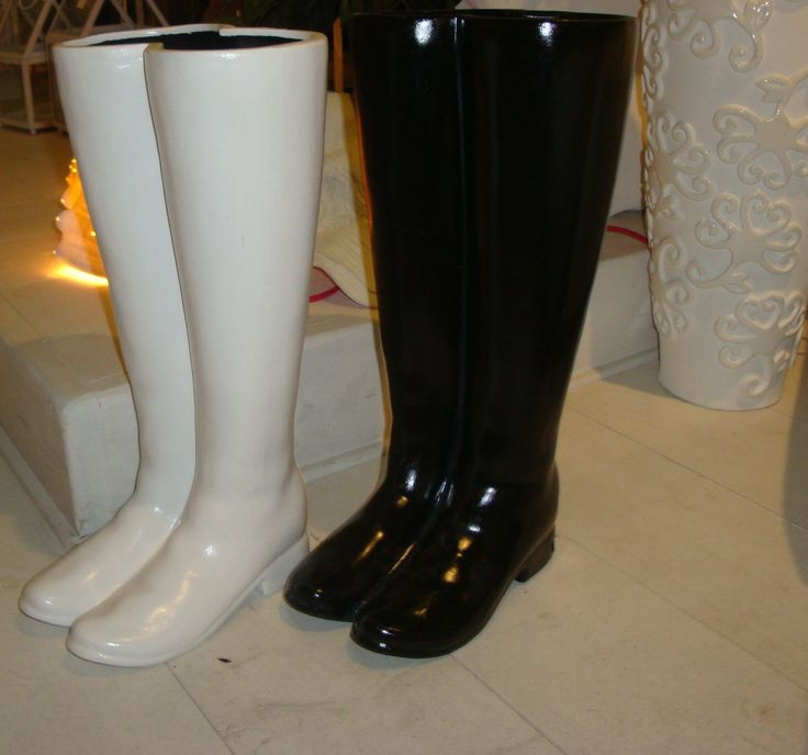 Decor boots can be used umbrella cases.