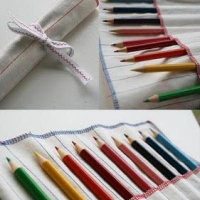 I wish I could sew... | diy Pencil RollBasic Sewing, Minute Pencil, Gift Ideas, Crochet Hooks, Colors Pencil, 10 Minute, Kids Gift, Sewing Tutorials, Pencil Rolls