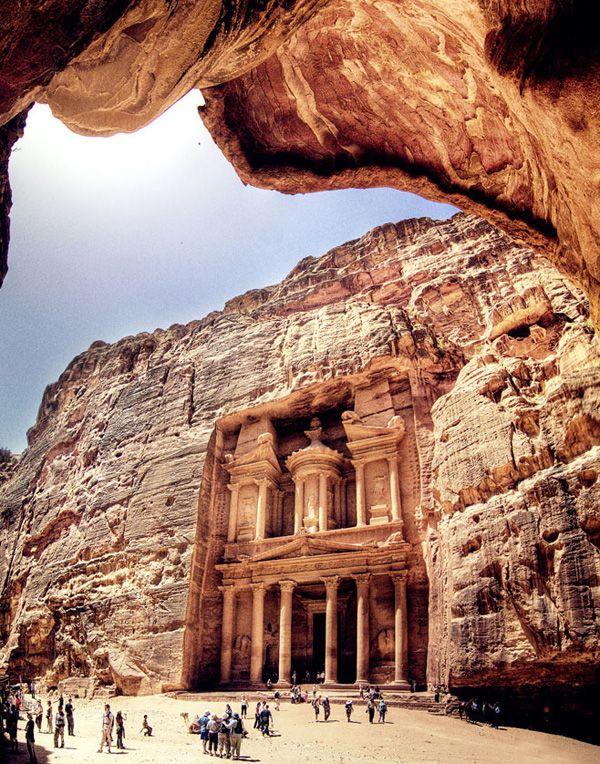 need to visit jordan. petra. desdevweb.com