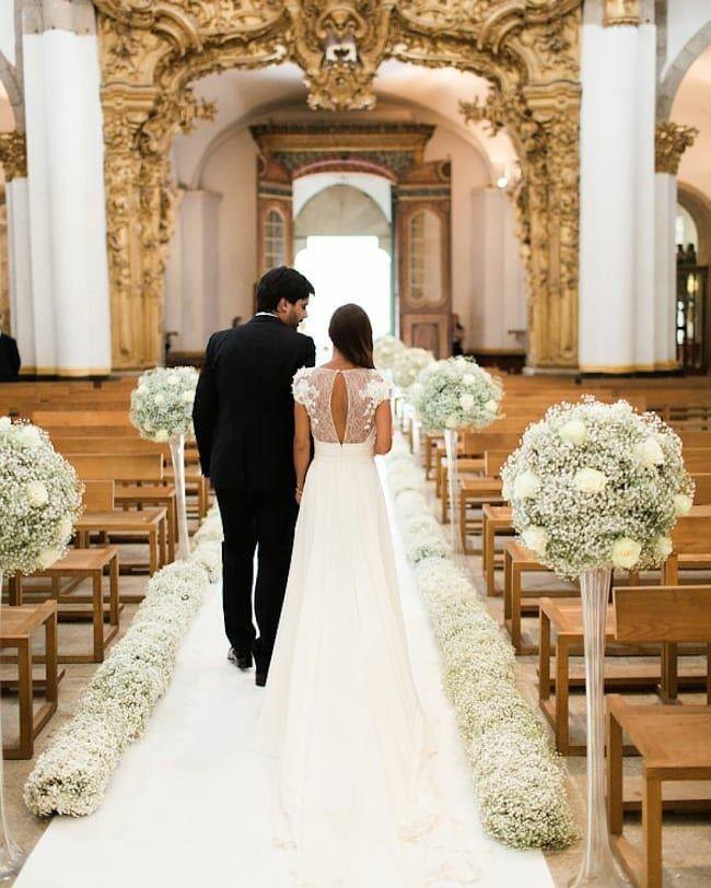 Inspiracao De Decoracao De Igreja Com Mosquitinhos Siga Noivinhasslindas E Ative As Church Wedding Decorations Wedding Pews Cheap Wedding Decorations
