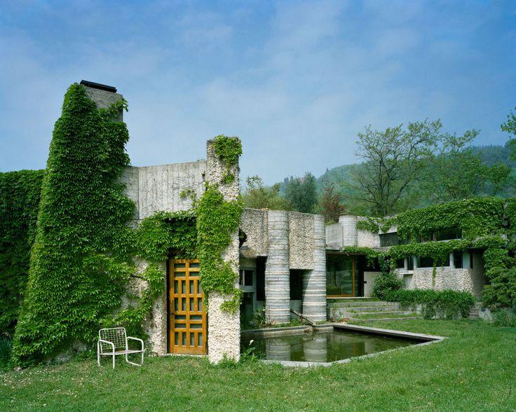 Villa Ottolenghi was designed by Carlo Scarpa in 1978. Reportage by Åke E:son Lindman.