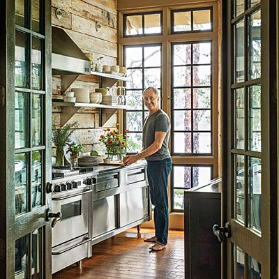 Designer Richard Tubb gives his Alabama lake house a beautiful kitchen that blurs the boundaries between inside and out. | SouthernLiving.com