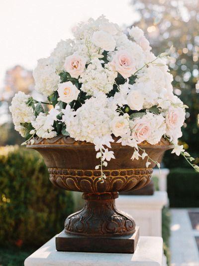 Gorgeous wedding flowers: http://www.stylemepretty.com/2014/09/22/autumn-atlanta-estate-wedding/ | Photography: Amy Arrington - http://amyarrington.com/