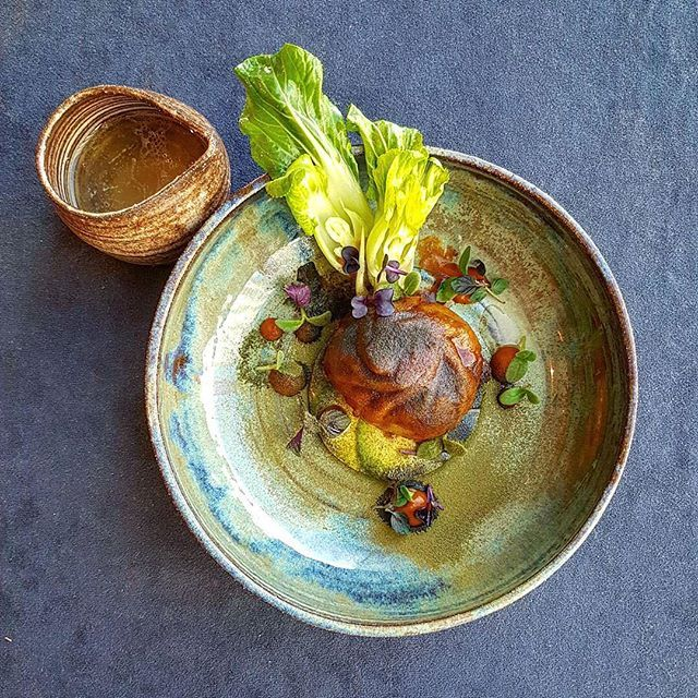 Foodstar Tomas Lidakevicius (@thomekas) shared a new image via Foodstarz PLUS /// Kimchi Dumpling, Avocado and Pak Choy Salad, Tomato Water #kimchi #avocado #tomato #water #salad #foodstarz If you also want to get featured on Foodstarz, just join us, create your own chef profile for free, and start sharing recipes, images and videos. Foodstarz - Your International Premium Chef Network