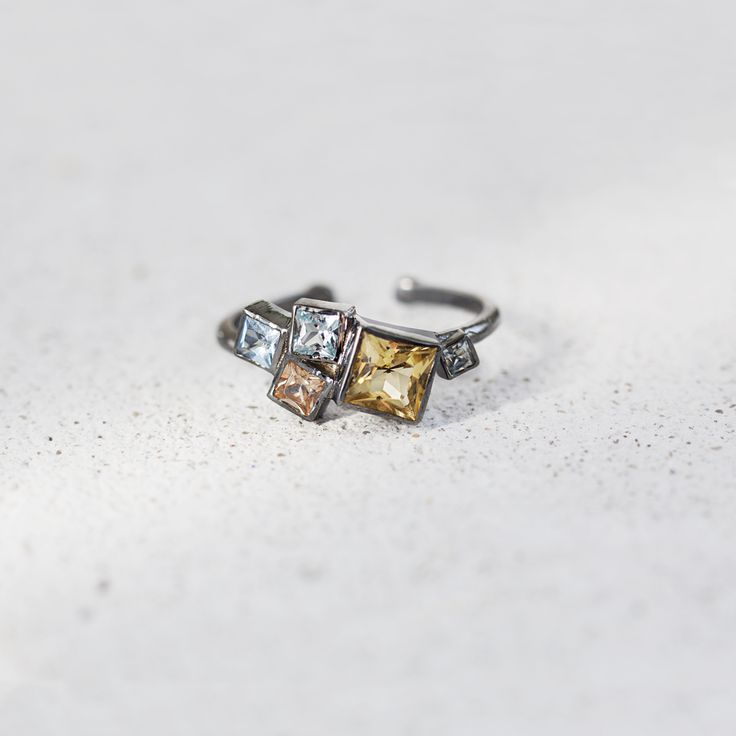 Silver cluster ring with citrine by ResDepot