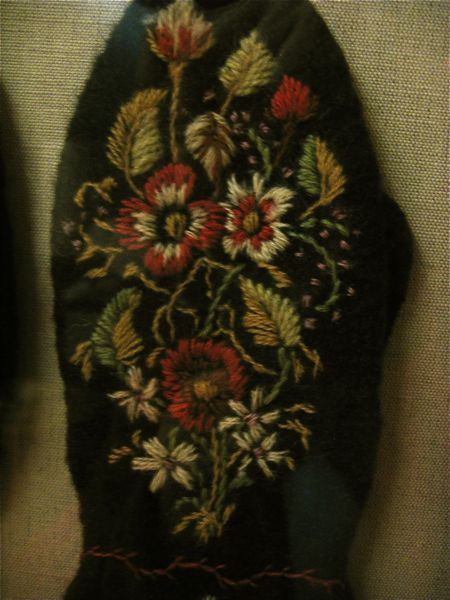 Mitten Dalarna Embroidery /vantar mora. Swedish