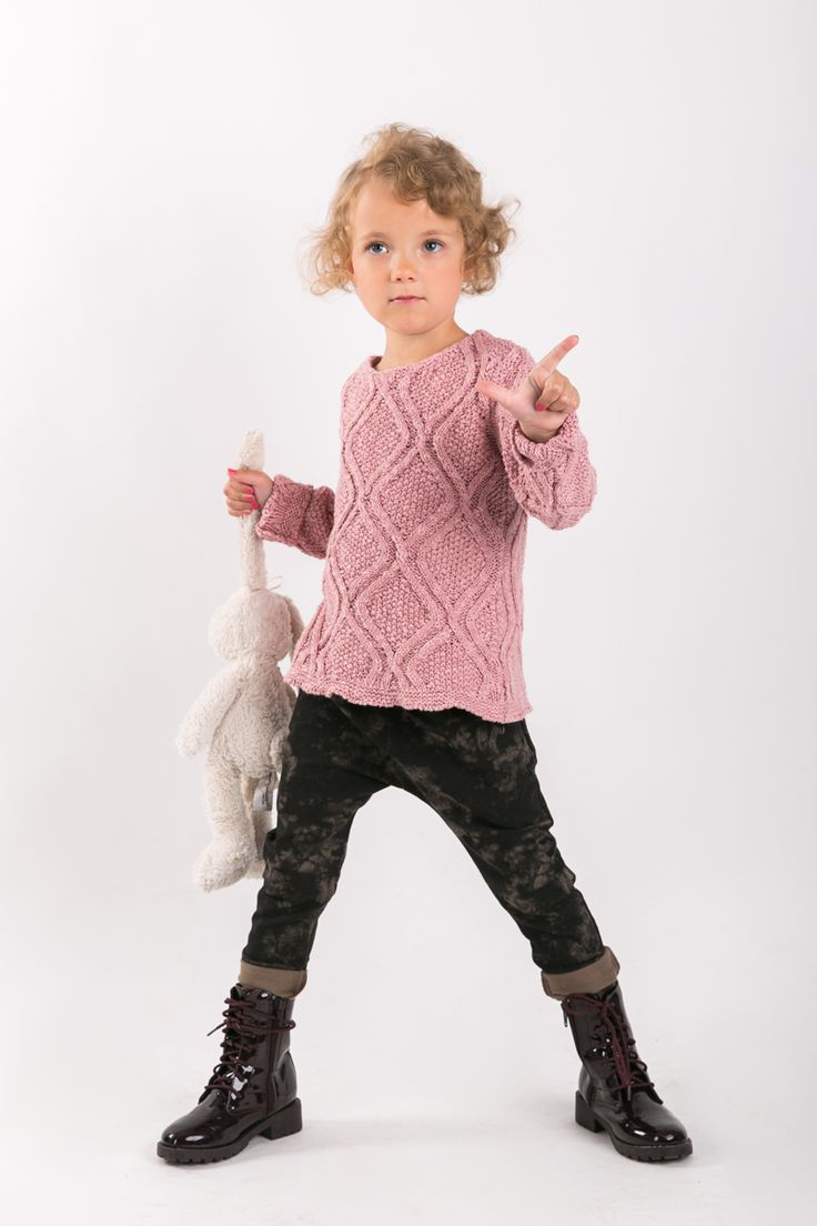 BATIK PANTS Set of two pairs of cotton comfortable pants - the same for mom and doughter. #fashion #thesame #brownpants #poland #kidsfashion #womanfashion #momandchild #girlfashion #boyfashion #elegant #comfortable #stylishkids #stylishmother #stylishgirl  http://www.thesame.eu/kategoria/spodnie-i-szorty-2/spodnie-batik-kids