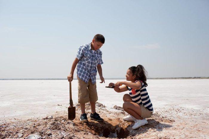 "4. <a href=""http://www.onlyinyourstate.com/oklahoma/great-salt-plains-ok/"" target=""_blank"">Great Salt Plains </a> (Jet)"