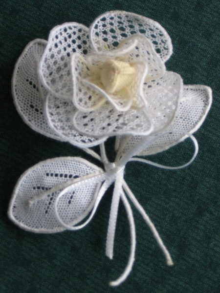 would love to learn to make lace!