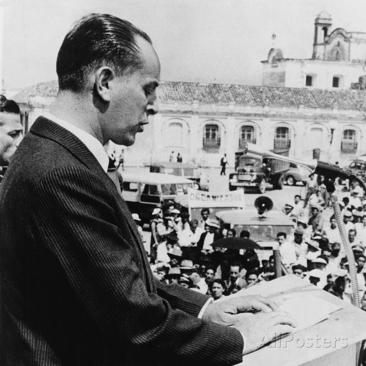 Guatemalan President Jacobo Arbenz Guzman in 1954 Photographic Print at AllPosters.com