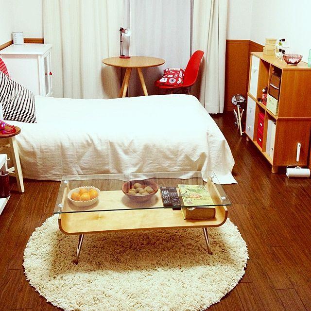 女性で、3LDKの1K/9畳/一人暮らし/部屋全体についてのインテリア実例を紹介。「もう少し先ですが、このお部屋とはさよならします。9畳1Kのこのお部屋は、ベッドを仕切りにしても十分広く感じました。次のお部屋で、この家具達がどのようにレイアウトするか、今から楽しみです(^^)記念にコンテストへ参加させて下さい。今は荷造り中で、、以前の画像のまま同じですいません!」(この写真は 2014-04-01 21:31:29 に共有されました)