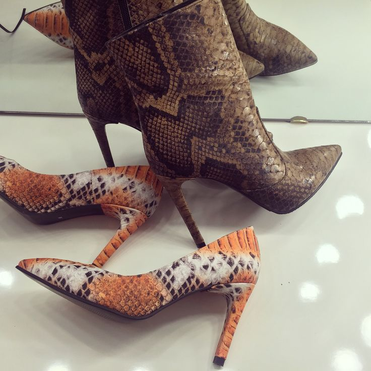 #fallwinter #collection #the5thelementshoes #rosettishowroom #snakeprint #pumps #boots