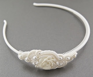 I love the combination of a resin rose, soutache and pearls.  So pretty.