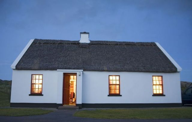 Stay In An Irish Traditional Thatched Cottage On Your Next Trip Ireland Cottage Thatched Cottage Cottage Style House Plans