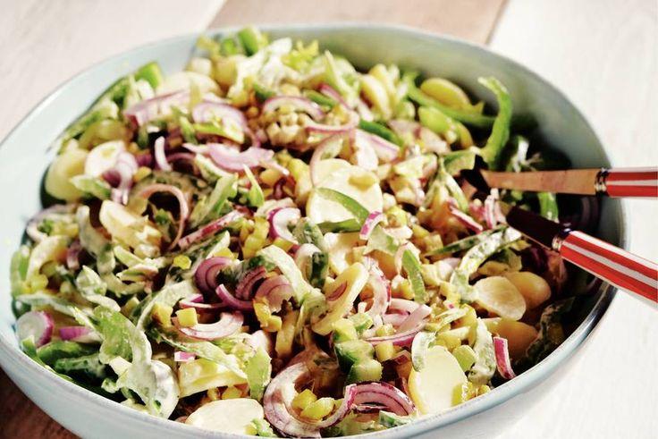 Aardappelsalade met bleekselderij - Recept - Allerhande