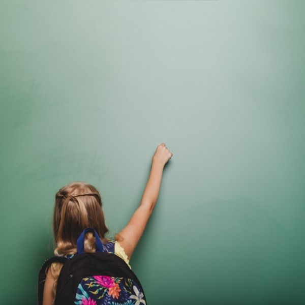 #BambiniBilingue #bilingue #bambini #ragazze #ragazzi #educazione Designed by Freepik (scheduled via http://www.tailwindapp.com?utm_source=pinterest&utm_medium=twpin)