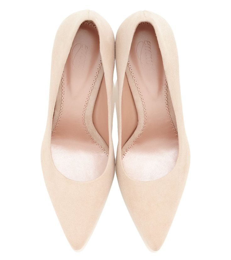 An elegant pointed occasion court shoe in a blush pink kid suede. This style is perfect for creating a chic, effortless look. Super flattering to the foot and leg, lined in leather with a natural nubuck sole. Our blush is a great neutral tone that goes with anything! A comfortable and sophisticated pair of court shoes to wear and treasure forever. x