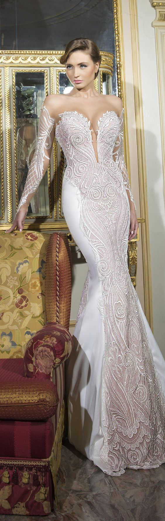 Shabi & Israel Haute Couture 2016 Long Sleeves Wedding Dress / http://www.himisspuff.com/long-sleeve-wedding-dresses/16/