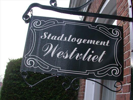 Stadslogement West-Vliet, Bed and Breakfast in Franeker, Friesland, Nederland | Bed and breakfast zoek en boek je snel en gemakkelijk via de...