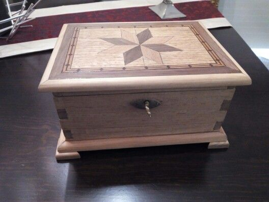 Handcraft jewel box with marquetry