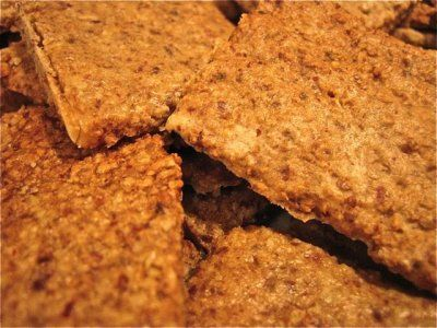 Walnut Crackers | Meghan Telpner Nutritionista