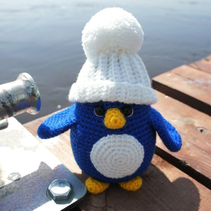 Free crochet penguin pattern is available on amigurumi.today!