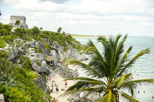 Seeking adventure in Mexico? Set on limestone cliffs above the sparkling Caribbean Sea, Tulum is less than an hour from Playa del Carmen and perfect for a day trip from Grand Hyatt Playa del Carmen.