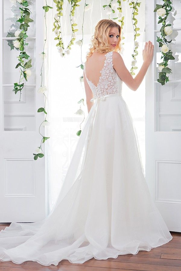 Wendy Makin Renee Sample Wedding Dress on Sale 67% Off