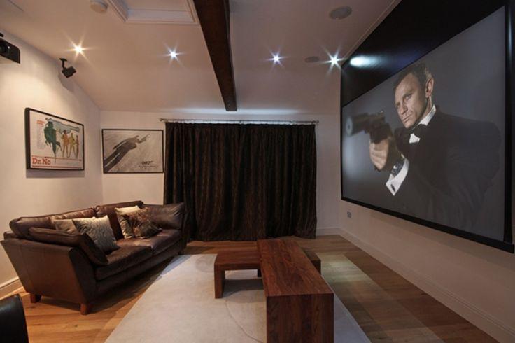 Idealny salon na wieczory filmowe https://www.homify.pl/katalogi-inspiracji/8879/w-meskim-stylu-idealna-kawalerka
