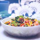 Een heerlijk recept: Zalmsalade van gegrilde zalm met oosterse dressing