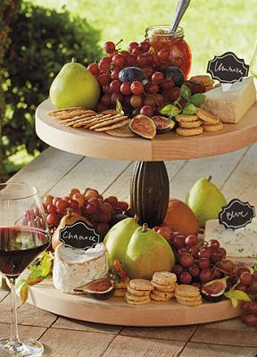 This lazy Susan has a sophisticated wine-country appeal!