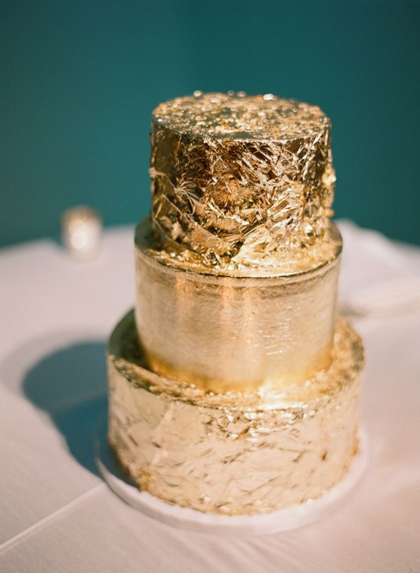 Gold wedding cake. Photo by Esther Sun Photography.