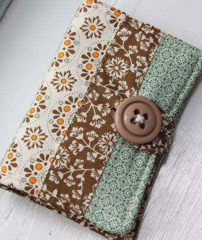 Quilted Fabric tea bag holder.  What a lovely little gift to make! Mom??