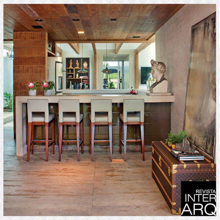 Este anexo de lazer traz ambientes para o descanso e diversão de toda a família. Projeto do Studio Denise Zuba. Confira no site o projeto publicado no Anuário da InterArq 2015/2016. #anuariointerarq #book #livro #interarq #revistainterarq #arquitetura #architecture #archdaily #cool #contemporary #decor #design #decoration #home #homestyle #instadecor #instahome #homedecor #interiordesign #lifestyle #modern #ideas #interiordesigns #luxuryhome #inspiration #homedesign #decoracao #interiors…