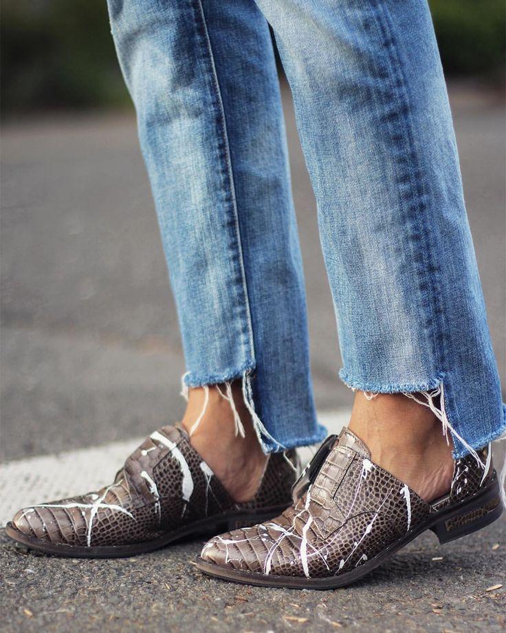 "1,188 curtidas, 51 comentários - Erica Chan Coffman (@honestlywtf) no Instagram: ""Today on HWTF, that time @fredasalvador showed us how to Jackson Pollock our shoes  #DIY"""