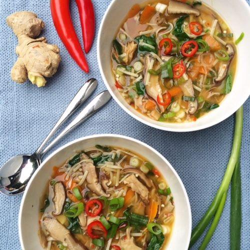 Miso noodle soep
