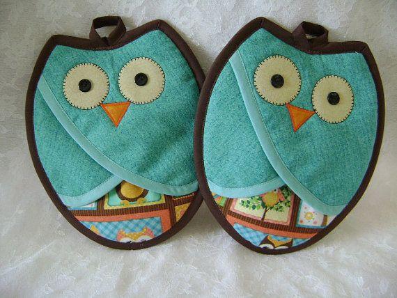 Aqua and Brown Owl Potholders
