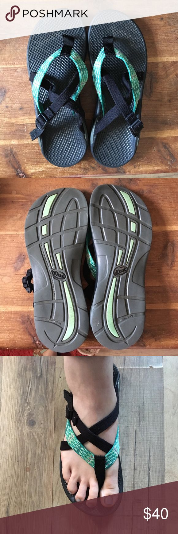 Women's chacos. Size 9 Women's Hipthong Chacos. Size 9. Excellent condition.  Barely worn. Chacos Shoes Sandals