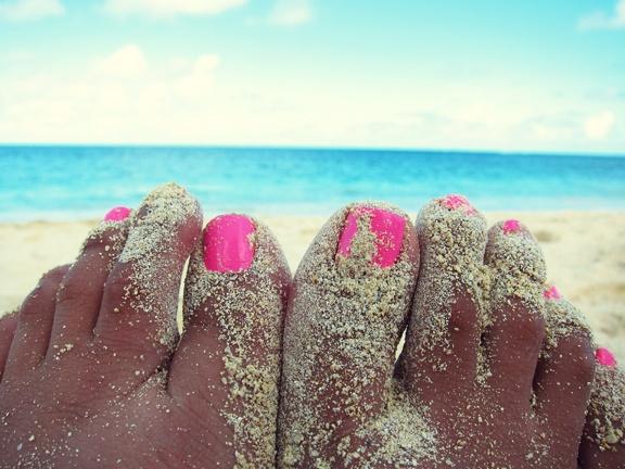 neon pink toe nails