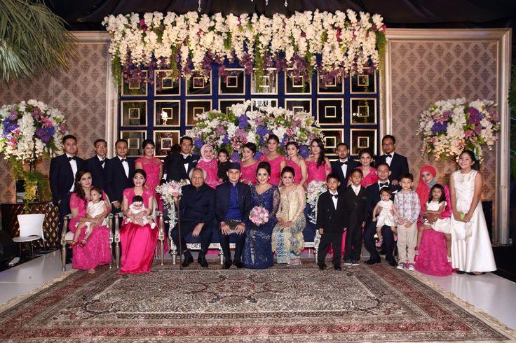 Pernikahan Adat Jawa Di Rumah ala Aliyah dan Eka - 12 Resepsi 3669