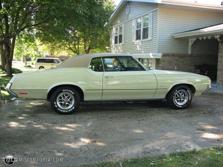 72 Cutlass Supreme - Mine was painted up just like this one. That was a great car...