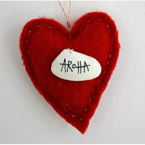 Aroha blanket heart : Justine Hawksworth, NZ.