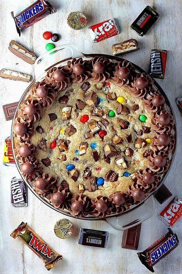 27 Amazing Dessert Recipes with Leftover Halloween Candy