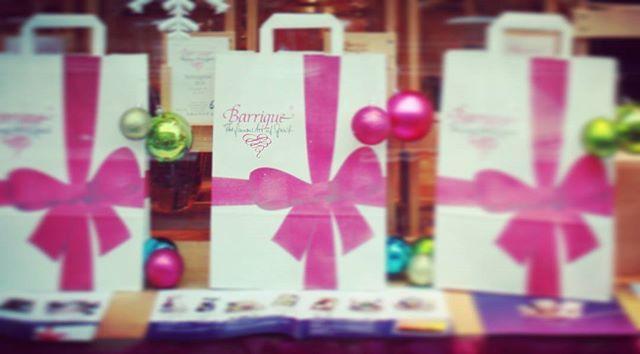 Geschenke Geschenke Geschenke #weihnachten #geschenk #idee #barriqueratingen #ratingen #weinhandel  #präsent
