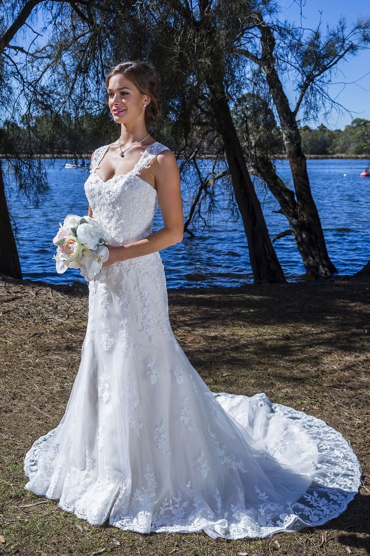 15 best Cizzy Bridal images on Pinterest | Wedding frocks, Short ...