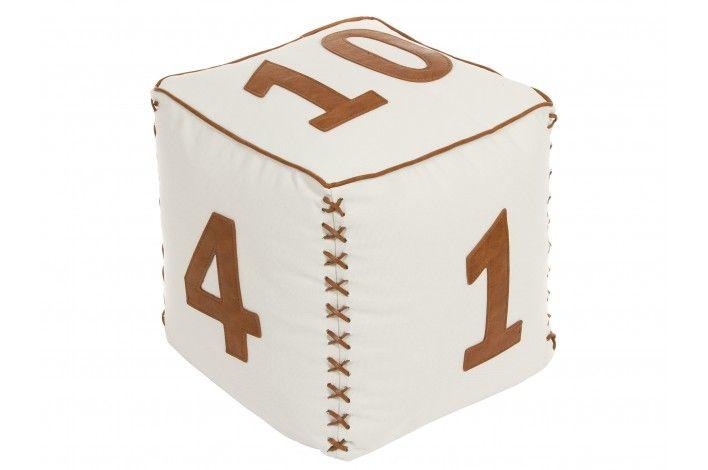 #Puff con forma de cubo en color blanco y numerado en polipiel. Medidas: 42x42x42 cm #IdeasParaDecorar con #Merkamueble