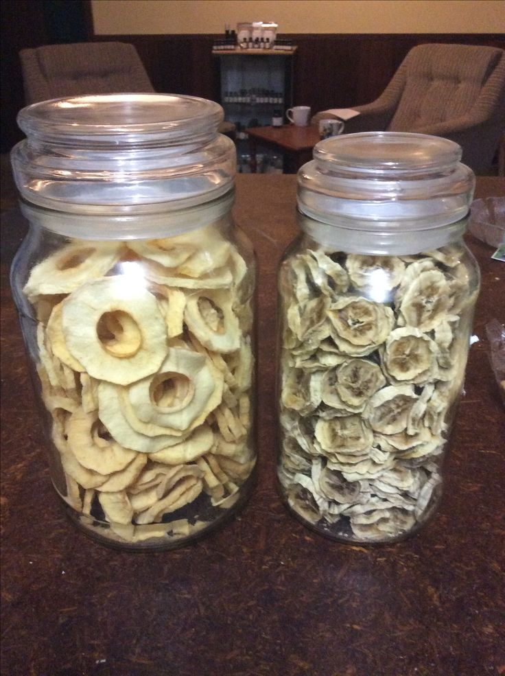 Dehydrated apples & bananas